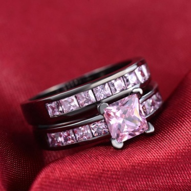 Hot Popular Fashion Woman Man Jewelry Black Gold Round Couple Pink Zircon Ring Gift