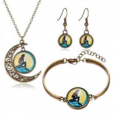 Retro Fashion Woman Moon Round Antique Golden Earrings Bracelet Pendant Necklace Sets