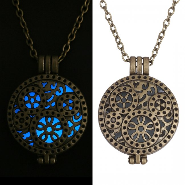2015 Fashion GLOWING Glow In The Dark Locket Pendant Necklace frozen idears Gift