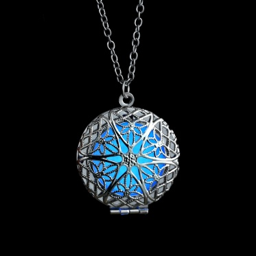 New Shining Glow In The Dark Pendant Necklace Silver Frozen Jewelry Gift