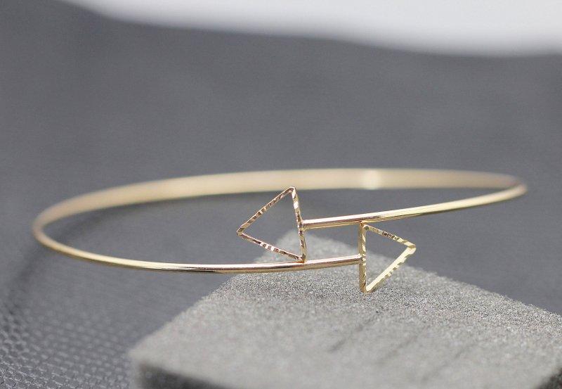 Fashion Simple Retro Hollow Open Triangle Leaf Armlet Joker Bracelet Jewellery