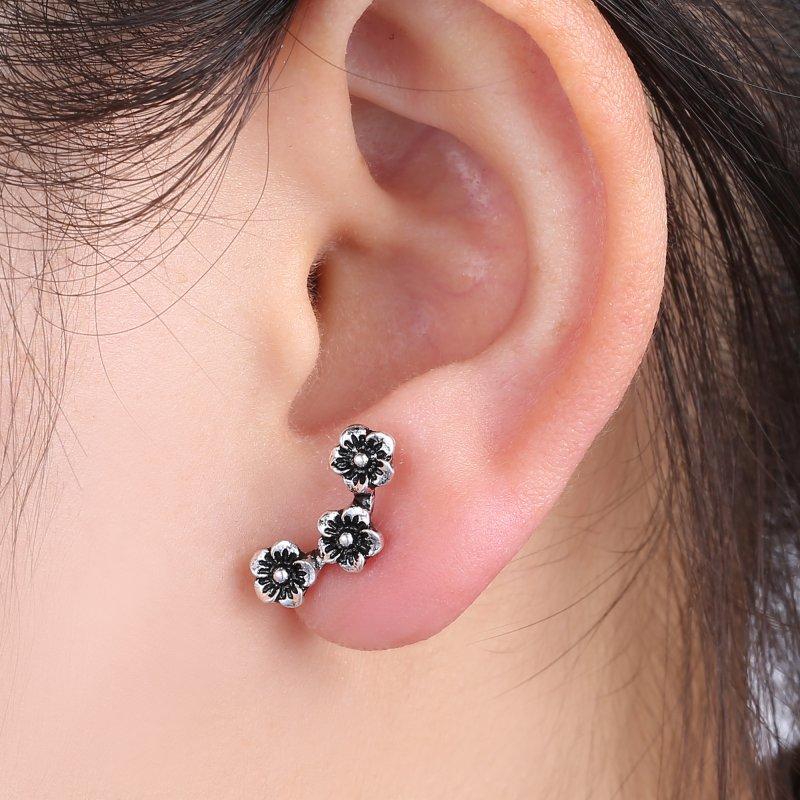 fashion chic three flowers cartilage earring ear stud