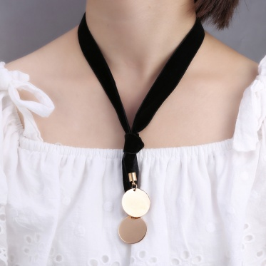 Hot Simple Woman Jewelry Sided Velvet Gold Round Casual Tie Pendant Necklace