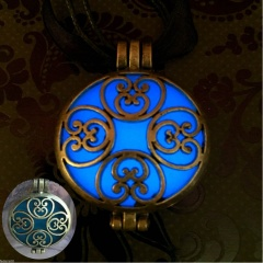 Glow in the Dark Pendant Necklace Alloy Bronze Plated Bead Chain Necklace Jewelry Blue