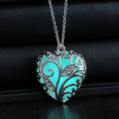 Fashion Magical Fairy Glow in the Dark Pendant Locket Heart Necklace Luminous Green Glowing