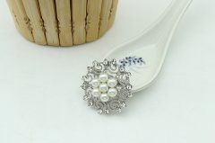 Crystal Pearl Flower Brooches Gift Woman Girl Bridal Wedding Jewelry flower1