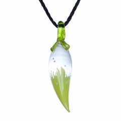 Moon Chili Glass Necklace Green