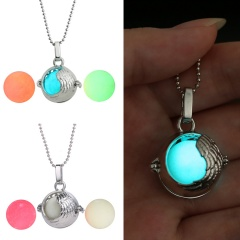 Charm Glow In The Dark Heart Pendant Necklace Luminous Women Jewelry Party Gift Feather